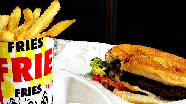 Photo of الأطعمة الدسمة والمدهنة تزيد من الإحساس بالجوع