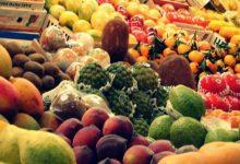 Photo of متى نتناول الفواكه في الصباح أم في المساء؟ الفواكه قبل الطعام أم بعده؟